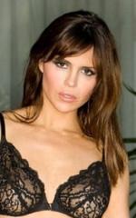 porno-aktrisi-iz-perepoloh-v-obshage-devushku-trahayut