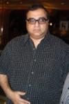 фото Раджкумар Сантоши